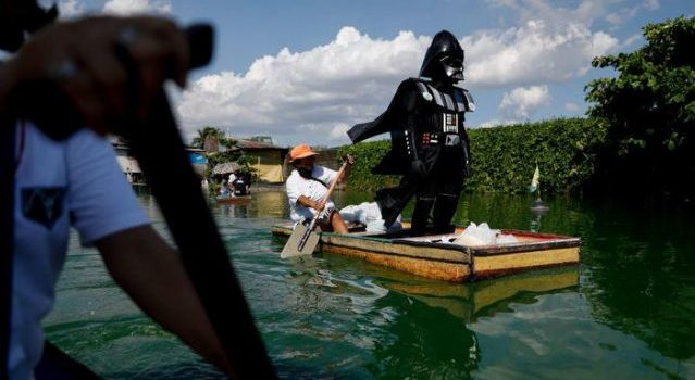 Darth Vader Enforces CoronaVirus Lockdown In Philippines